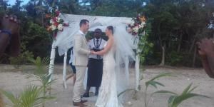 Tara and Andew's wedding on a Secluded Private Island