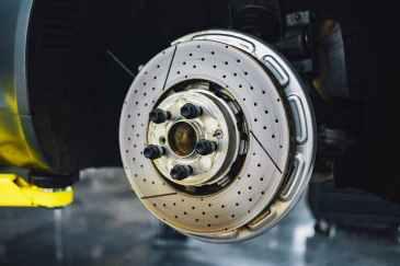 disk brake in car service workshop