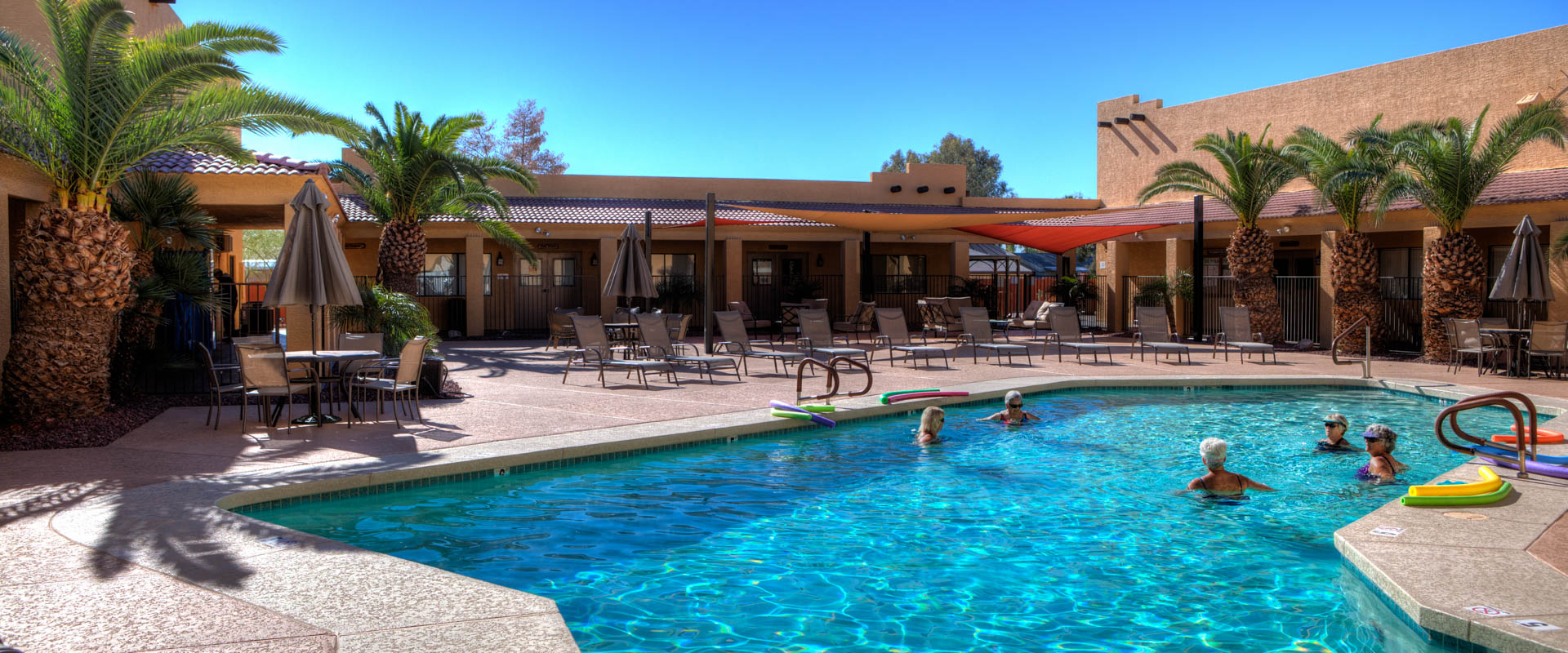 Sundance 1 RV Resort's swimming pool area