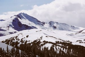 skiing-in-lake-tahoe-sundance-vacations-destinations