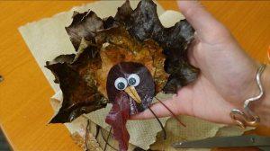 fall leaf crafts; fall crafts; DIY fall leaf crafts; DIY leaf crafts; DIY fall decorations; fall decorations; fall crafts for kids; fall DIY; fall table decorations;