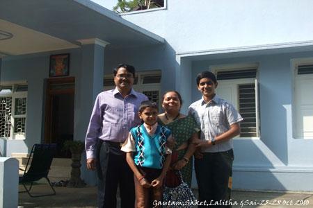 Sundara Mahal Vegetarian Homestay guests Saket and family