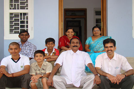 Sundara Mahal Vegetarian Homestay guests Bhasi and family