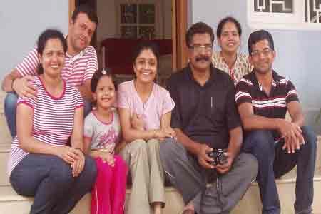 Sundara-mahal-homestay-guests-images-Swaminathan-Divya-Sishti-and-Family