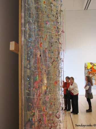 São Francisco MoMA - obra ocupando uma parede inteira