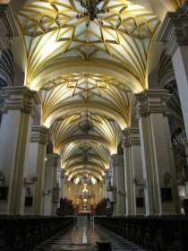 Palácio Episcopal e Catedral de Lima - interior da catedral