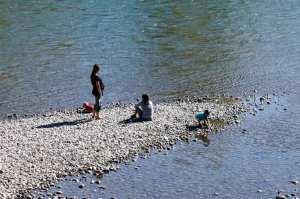 Eau Claire Rapid Rent - brincando no rio Bow