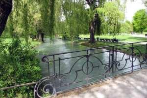 English Garden de Munique - Ponte sobre o rio