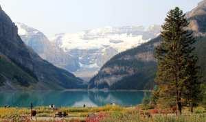 Lagos do Canada - Parte de trás do Fairmont Lake Louise