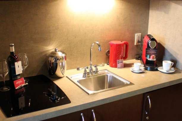 Onde ficar em Montreal - le saint sulpice hotel - mini cozinha