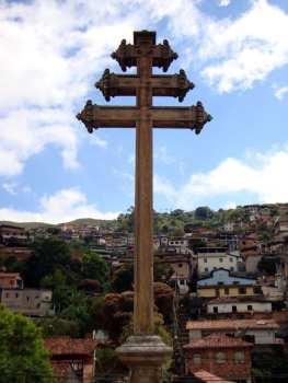 Ouro Preto na Pascoa - Capela Padre Faria - Cruz Papal