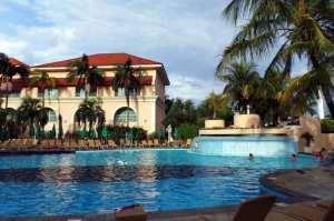 Royal Palm Plaza - Piscina principal