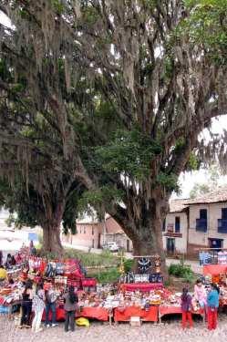 Valle Sagrado - Andahuaylillas - Mercado em frente à Igreja