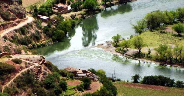 Valle Sagrado - Salineras de Maras - rio ao longe