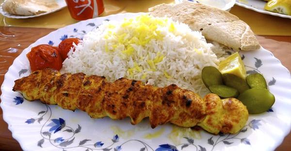 Kebab de frango. (Foto: oh contraire - CC BY-NC-SA 2.0)