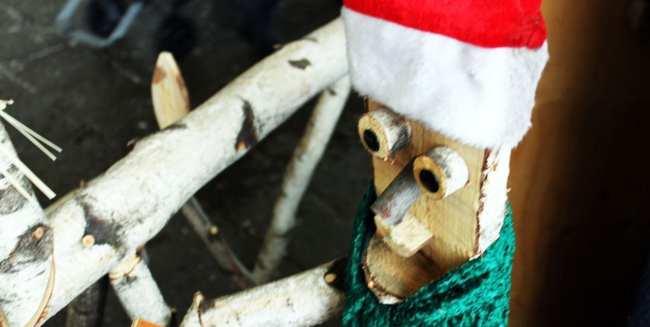 Natal e ano novo na neve de Montreal - boneco de madeira