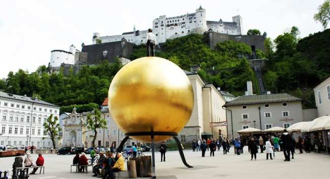 Roteiro de Salzburg - Praça em frente ao castelo de Salzburg