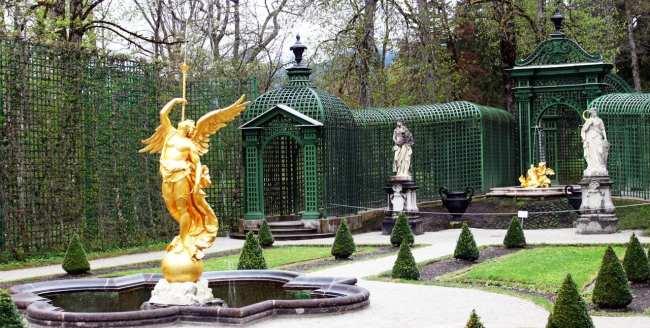 Castelos da Alemanha - Detalhes do jardim do Linderhof