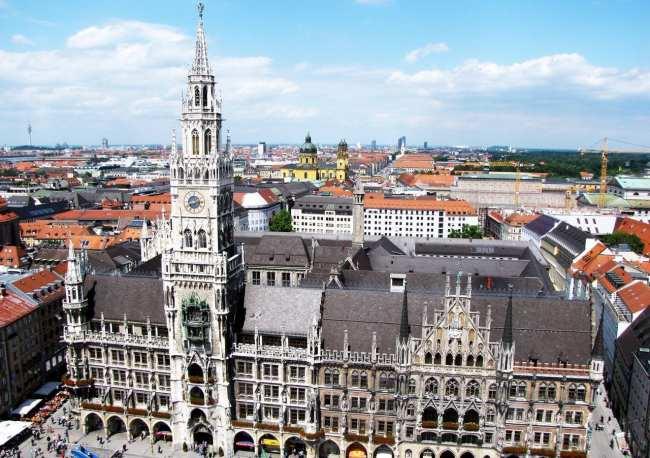 Centro histórico de Munique - Vista da Marienplatz a partir da St. Peter Church