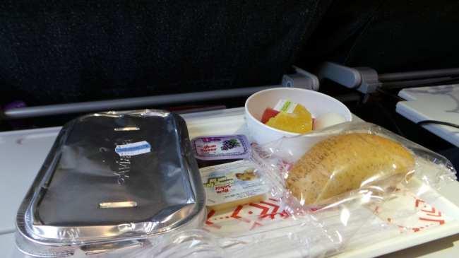 Como é voar de Avianca - café da manhã