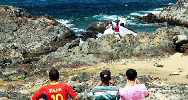 Fim de semana em Salvador - Noiva atrás do Farol da Barra