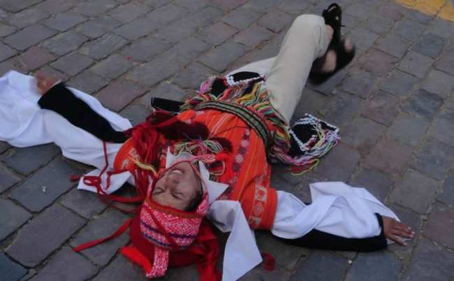 Inti Raymi - Danças típicas 04 Encenação