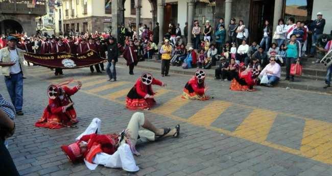 Inti Raymi - Danças típicas 05 Encenação