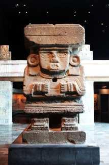 Museu Nacional de Antropologia - escultura em pedra