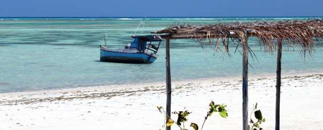 Pousada do Toque - Praia, bangalô e barquinho