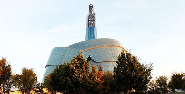 Viajar de trem no Canadá - The Canadian - Winnipeg: Museu dos direitos Humanos