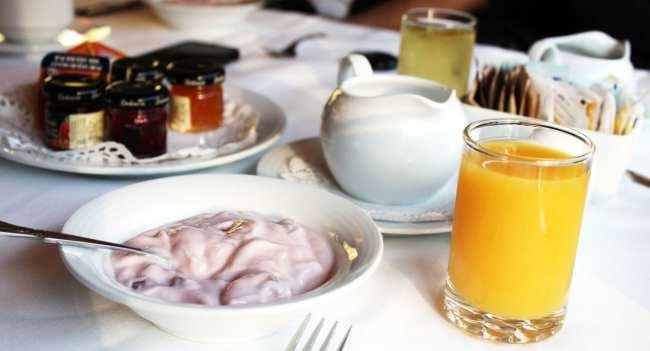 Viajar de trem no Canadá - The Canadian - Café da manhã