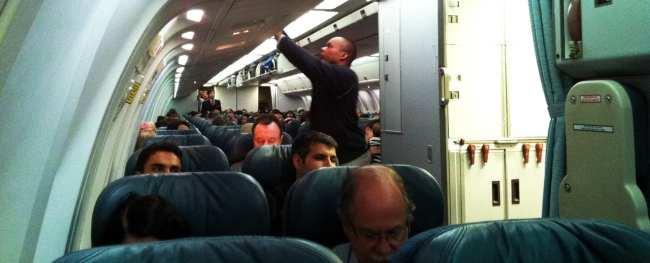 Como é voar de Air Canada - Econômica Lateral