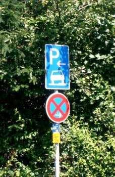 Dicas para dirigir na Alemanha - Placa de Estacionamento e de proibido estacionar