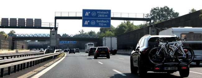 Dicas para dirigir na Alemanha - Placas indicando saídas da Autobahn
