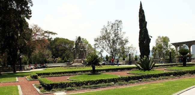 Roteiro pelo Bosque de Chapultepec - Jardins do castelo