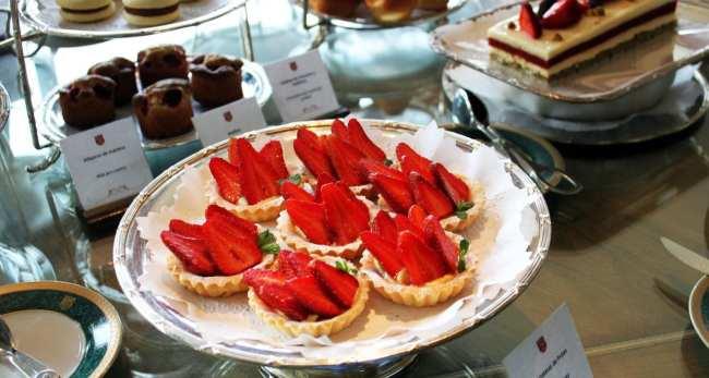 Ode ficar em Bariloche: os melhores hotéis - Café da tarde do LLao LLao Hotel