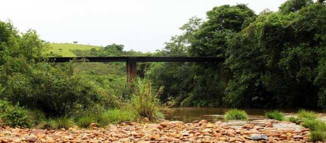 Serra da Canastra - Ponte sobre o rio São Francisco, nosso primeiro contato com ele