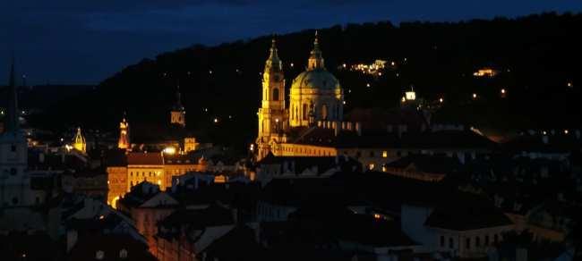 Castelo de Praga - Igreja em Mala Strana vista do Castelo