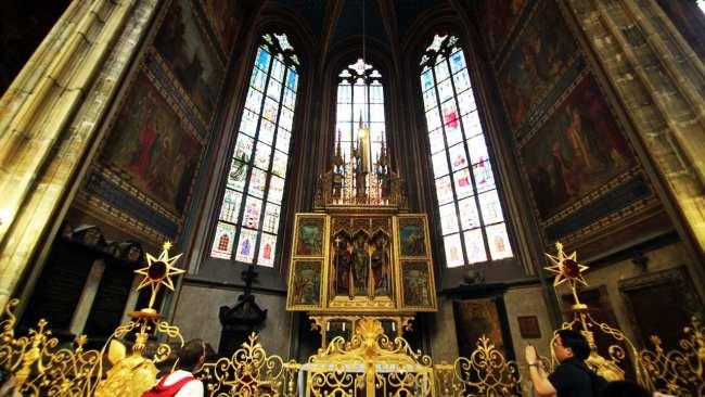Castelo de Praga - Interior da Catedral de São Vito 2