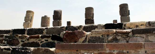 Pirâmides de Tula no México - Atlantes