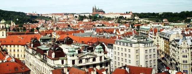 Relógio Astronômico de Praga - Castelo de Praga visto ao longe