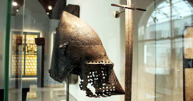 Museu Nacional Germânico de Nuremberg - Antigo capacete