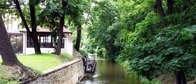 Malá Strana Praga - Um passeio no parque em Praga
