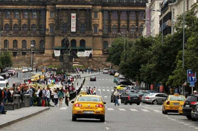 Pegando Taxi em Praga - AAA Taxi 3