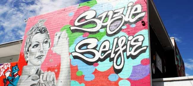 Walking Tour Downtown Vegas - Graffiti 2