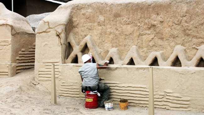 Chan Chan Patrimônio da Unesco - Interior sendo restaurado 2