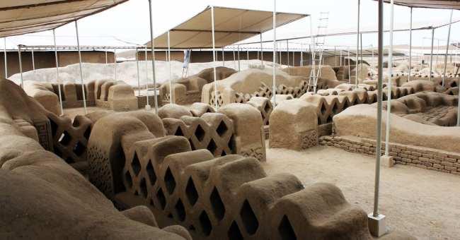 Chan Chan Patrimônio da Unesco - Interior sendo restaurado 4