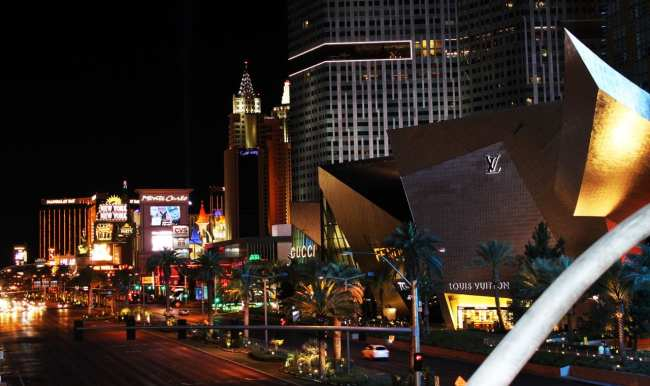 Transporte em Las Vegas - Avenida Strip de noite 3