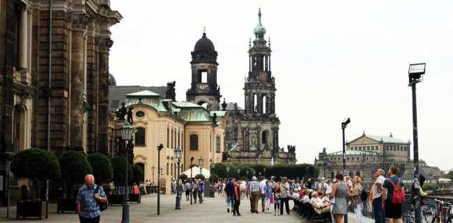 Dicas de viagem a Dresden - Cidade Velha Alstadt Vista para a catedral