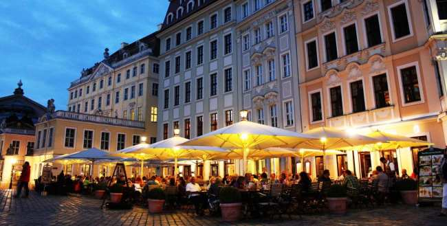 Dicas de viagem a Dresden - Cidade Velha Alstadt Praça da Frauenkirche de noite